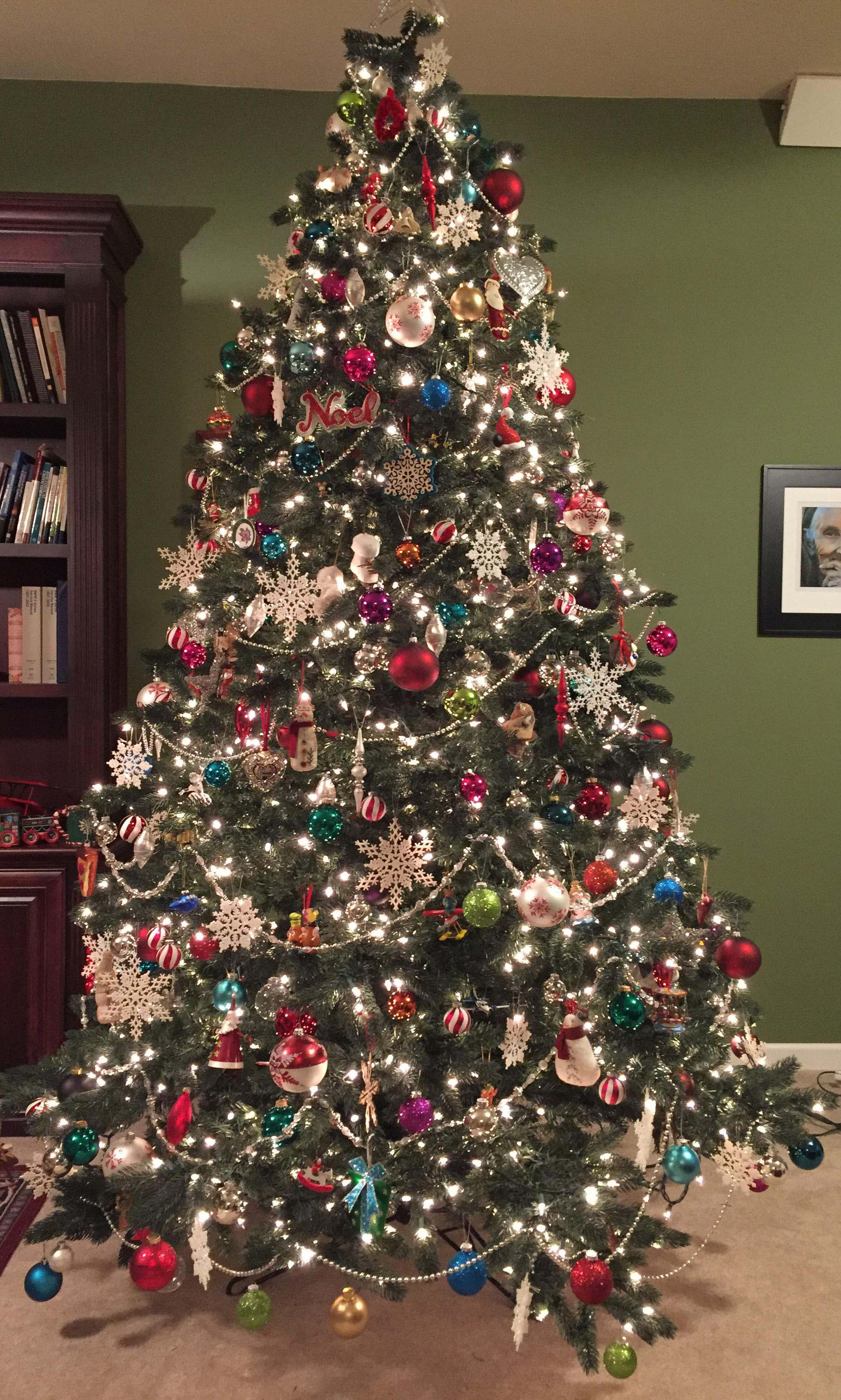 19 steps to a perfectly decorated christmas tree - Beautifully Decorated Christmas Tree Images