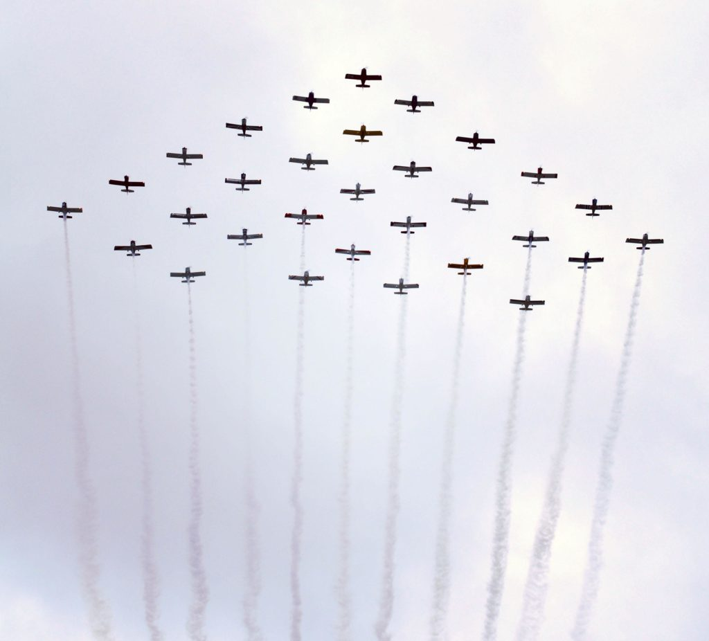 Vans RV-6 30th anniversary formation 30-ship